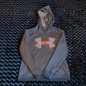 Under Armour Sweater Size SM/P/CH